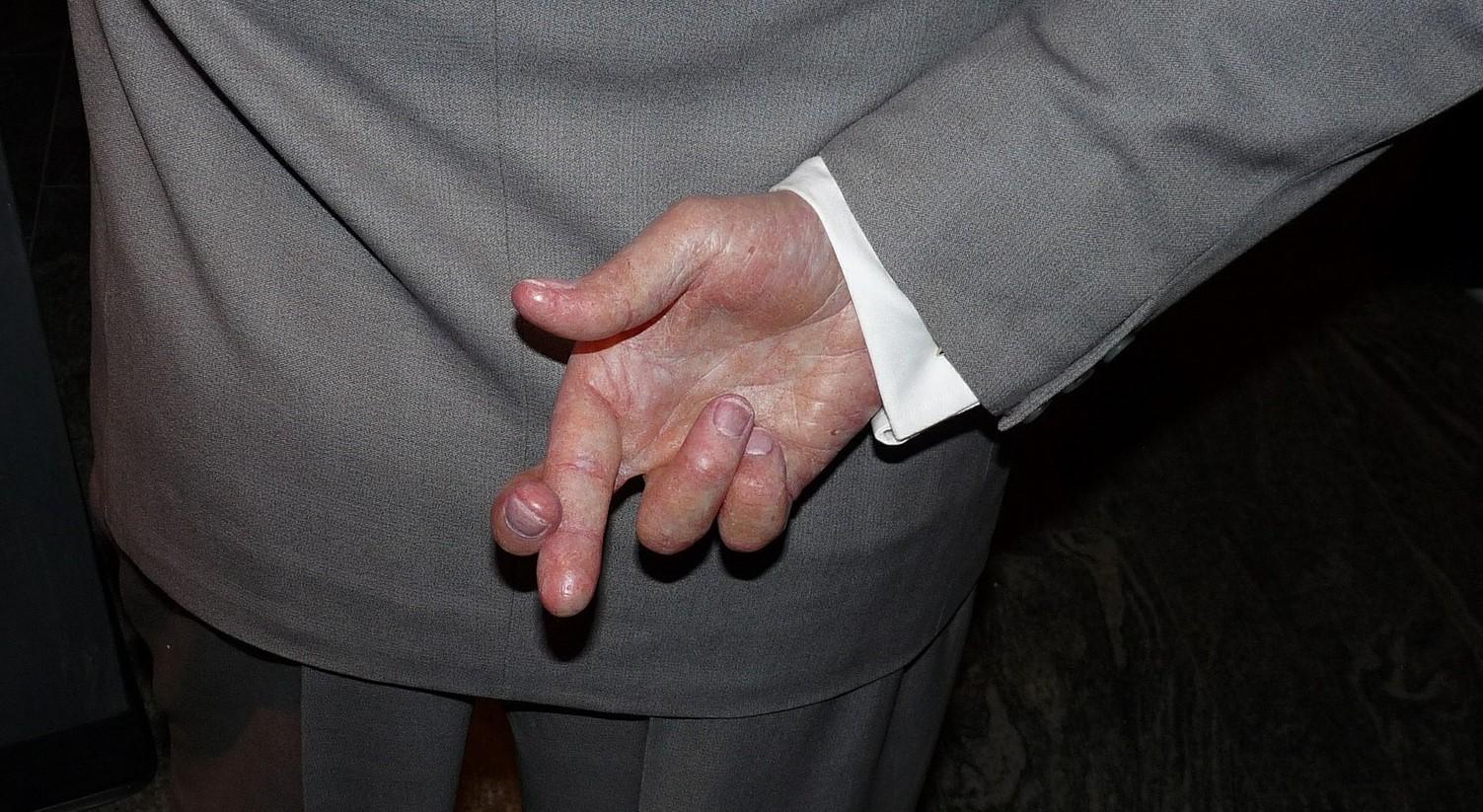 Pocket veto vingers gekruist